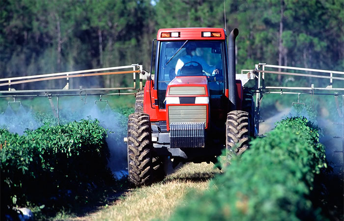 chemical spraying crop